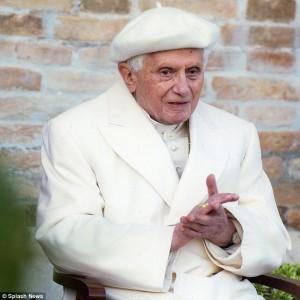Pope-Emeritus-Benedict-300x300